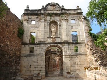 Entrance to Cartoixa de Santa Maria d 'Escaladei